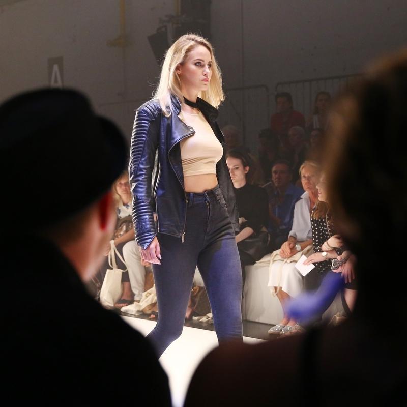 Elena C. für Leslie Huhn Fashion Show